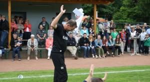 Szene von der Saisonabschlussfeier 2013 - unser langjähriger Trainer Gerd Worms wurde verabschiedet